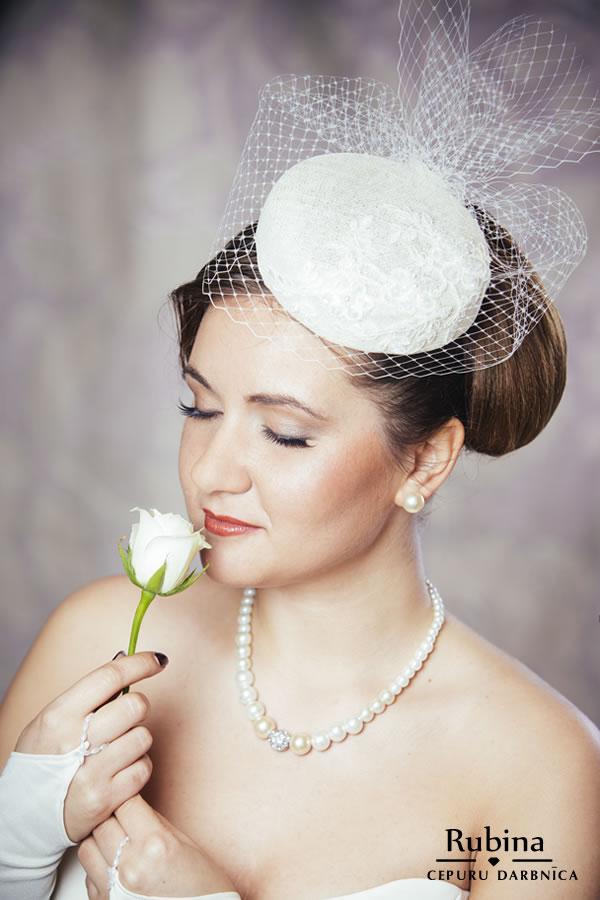 LILLIJA līgavas cepure ar plīvuru un mežģīnēm