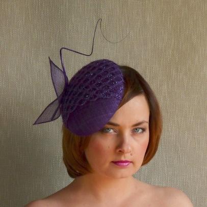 NORA lillā cepure svētkiem