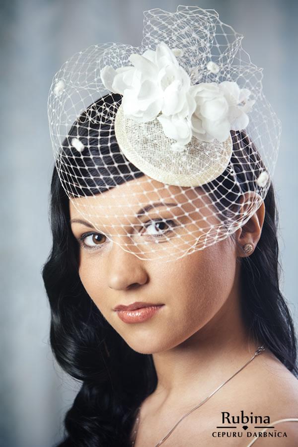 FRANCISKA galvas rota līgavai