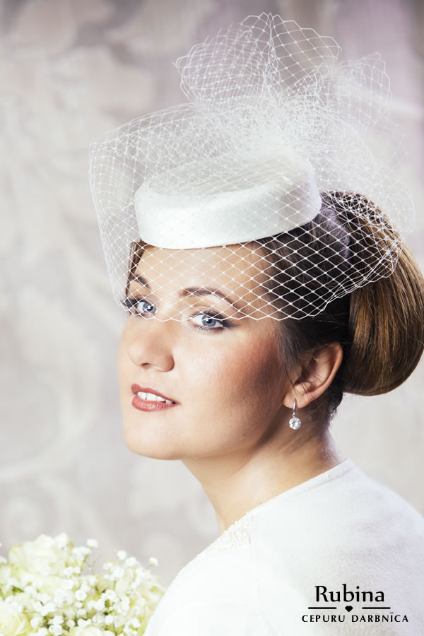 MATILDE dabīgā zīda cepure līgavai ar plīvuru