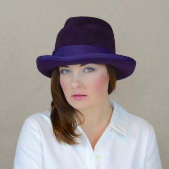 MELISA - baklāžāna krāsas velūra filca fedora cepure